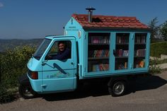 Libraries Around the World: The Bibliomotocarro, Italy