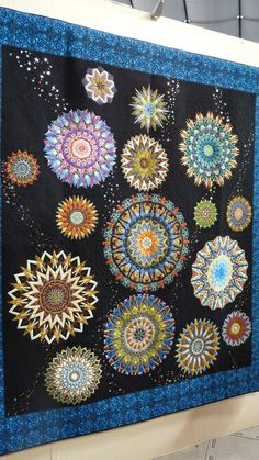 2014 International Tokyo Quilt Show. 3 more kaleidoscopes and I could make a mini one of these!
