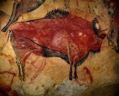 Bison, grotte d'Altamira (Espagne) v. 16000-14000 av.JC Ce bison est peint en aplat à l'intérieur de contours noirs. Le modelé est obtenu en grattant de petites zones de peinture et des incisions pratiquées aux points principaux : yeux,cornes et sabots et mettent les détails en exergue.