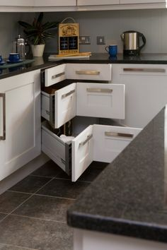 love this corner drawer