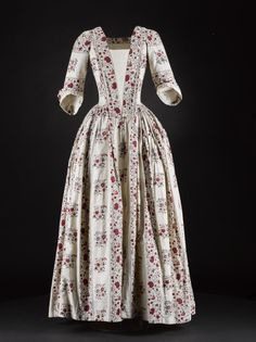 Robe à l'anglaise ca. 1740-60  From National Museums Scotland