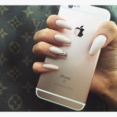 Cream + Gold line Long Coffin Nails. Simple yet Elegant. #nail #nailart