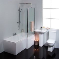 Avant 1700 Right Hand Shower Bath Suite With Taps