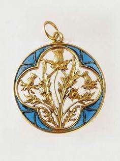 Antique Art Nouveau Victorian pendant. 18k yellow gold, plique a jour enamel. Made in France, 1890-1905.