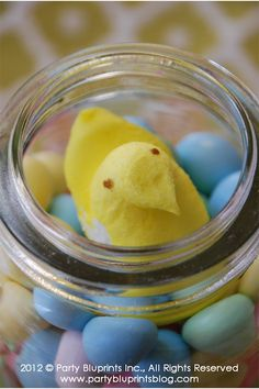"Little ""PEEPS"" Easter centerpiece idea"