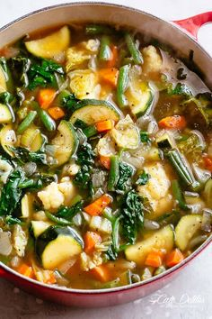 Classic low carb Vegetable Soup is versatile to suit your taste. Perfect Keto recipe or a low carb diet! Whether you Weight Watchers, a Keto diet or a low carb diet, homemade vegetable soup is Low Carb Vegetable Soup, Homemade Vegetable Soups, Low Carb Vegetables, Vegetable Soup Recipes, Chicken And Veggie Soup, Weight Loss Vegetable Soup Recipe, Recipes Of Vegetables, Healthy Vegtable Soup, Pressure Cooker Vegetable Soup