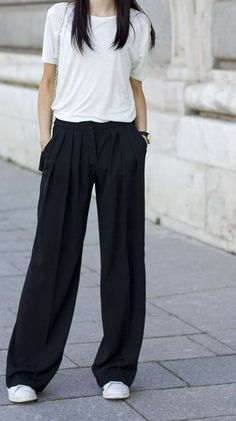 Style Spacez: 19 Cheap Palazzo Pants You Must Buy Plazzo Pants Outfit, Flowy Pants Outfit, Overalls Outfit, Comfy Outfit, Square Pants Outfit Casual, Casual Outfits, Casual Ootd, Simple Work Outfits, Summer Work Outfits