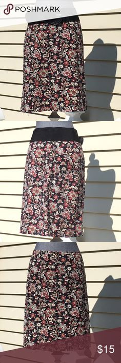 "🆕 NEW! Jones of New York Stretch Floral Skirt. 🆕 NEW! Jones of New York Sport Stretch Floral Skirt Size 4. Skirt Measures 21"" Long & Sits Right at the Waist. Belt Not Included. Jones New York Skirts"