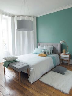 Grey modern bedroom - like the head board