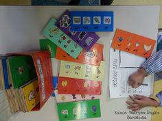Dictat Mut. escriure el nom de les imatges que apareixen el tauler. Story Cubes, Home Schooling, Craft Activities, Speech Therapy, Language Arts, Literacy, Gift Wrapping, Classroom, Teaching