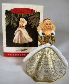 Heirloom ornament collection Holiday Blonde Barbie New in box Am Greetings /'14