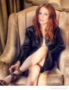 Julianne Moore in LA Confidential Magazine