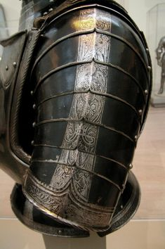 'inspiration for Hattian armor...  [Foot armour - left pauldron, German 1560]