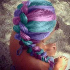 pensando es estos colores para el cabello, por un dia :D
