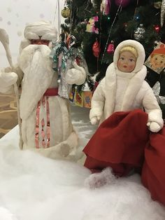 Выставка «Возвращение в Новый год», музей Новоиерусалимского монастыря, Истра, 2017-2018 г Ватный Дед Мороз и Снегурочка