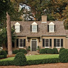 If we talk about house exterior, do you know Cape Cod Homes? The design is so enchanting because this home design is similar to the beachy style. Exterior Paint Colors, Exterior House Colors, Cottage Exterior, Painting Trim, House Painting, Body Painting, Home Design, Design Ideas, Design Inspiration
