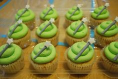 Tinkerbell Fairy Birthday Party Food Ideas like cake and cupcakes Fairy Birthday Party, Birthday Cake Girls, Birthday Party Themes, 4th Birthday, Princess Birthday, Disney Cupcakes, Cupcake Cakes, Tinkerbell Party, Tangled Party