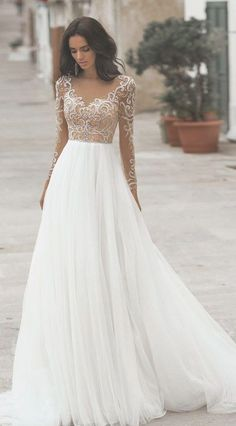 37 Wedding Dresses with romantic details - stunning wedding dress This is the day that they've been planning for since they were young girls. Choosing the right wedding dress can be the most essential part. Wedding Dress Tea Length, Top Wedding Dresses, Stunning Wedding Dresses, Wedding Dress Trends, Long Sleeve Wedding, Bridal Dresses, Elegant Dresses, Sexy Dresses, Gown Wedding