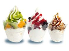 In today Frozen Yogurt vs Ice Cream article, we are going to give you information about these two similar yet different treats that often mistaken with each other, mainly about how they are different and what each one of them can offer to you. Ice Cream Freeze, Yogurt Ice Cream, Yogurt Benefits, Tart Taste, Soft Serve, Homemade Ice Cream, Healthy Sweets, Ice Cream Recipes, Kuchen