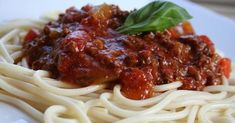 """Une recette de sauce de plus à tester! Goût,texture et consistance # 1 selon mes z'hommes. Jai même reçu la demande d'un """"spagat"""" pour le ..."""