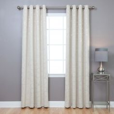 - Foil printed flowers add a sleek and modern look to practical blackout curtains- Features innovative triple weaved fabric construction allowing for single layer, unlined thermal insulated blackout curtains.- Helps block out light and noise while cut