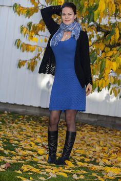 Denne kjolen, med strikket bærestykke og heklet skjørt, sitter som et skudd! I herlig bomull- og merinoblanding er den også supermyk og behagelig å ha på. Føl deg som en dronning til hverdags eller på fest i denne! E Design, Dresses With Sleeves, Long Sleeve, Sweaters, Fashion, Moda, Sleeve Dresses, Long Dress Patterns, Fashion Styles