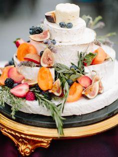 13 Wedding Cake Alternatives For Couples Who Prefer Savory Over Sweet Huge Wedding Cakes, Unusual Wedding Cakes, Fruit Wedding Cake, Wedding Cake Prices, Summer Wedding Cakes, Floral Wedding Cakes, Wedding Cake Designs, Wedding Desserts, Wedding Cupcakes