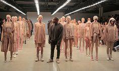 Kanye West fühlt sich schlecht von der Modewelt behandelt. In einem Interview mit einem Fashionportal beklagte sich der US-Rapper darüber, er werde als heterosexueller Modedesigner diskriminiert.