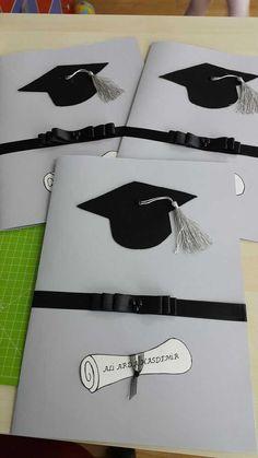 visual result related to bonecos finalistas moldes - New Deko Sites Graduation Cards Handmade, Graduation Crafts, Kindergarten Graduation, Graduation Decorations, Graduation Party Decor, School Decorations, Grad Gifts, Graduation Photos, Graduation Invitations