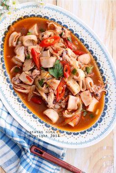 CUMI MASAK SAUS PADANG | Catatan-Nina Thai Recipes, Seafood Recipes, Calamari Squid, Indonesian Food, Indonesian Recipes, Padang, Thai Red Curry, Food And Drink, Pasta