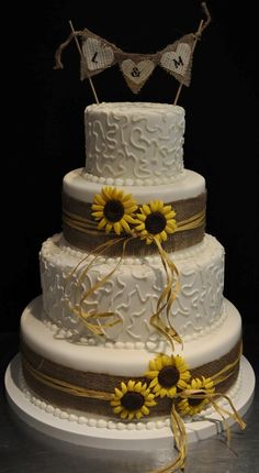 A wedding cake with country theme from Sweet Tweets Cakery! 813-969-2253 in Tampa!