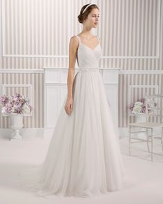 8S114 LANZA | Wedding Dresses | 2015 Collection | Luna Novias