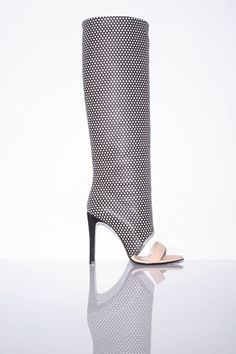 Jerome Dreyfuss Spring/Summer 2014 Ready-To-Wear Jerome Dreyfuss, Fashion Wear, Fashion Shoes, Fashion Accessories, High Fashion, Walk In My Shoes, Me Too Shoes, Stripper Shoes, Black And White Shoes