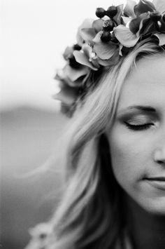Belle Lumière - Ilford HP5 - Nikon F100 Erica Schneider  http://www.bellelumieremagazine.com/bohemian-inspiration/