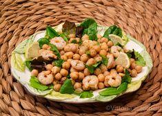 Insalata di #ceci  e #gamberetti , facile e veloce Black Eyed Peas, Beans, Vegetables, Food, Essen, Vegetable Recipes, Meals, Yemek, Beans Recipes