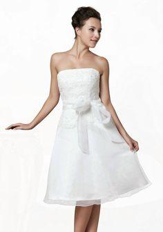 Brautkleid f. Standamt kurz bestickt mit Spitze sowie Perlen ...