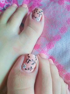 Unhas dos pés decoradas. #unhasdecoradas #unhasdospes