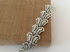 Baroque Double Leaf Silver Tone Link Bracelet Mid by VintageRenude