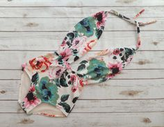 Swimsuit High Waisted Vintage Style One Piece Retro Pin-up Bathing Suit - Pretty… One Piece Swimsuit Flattering, One Piece Swimsuit 2017, Pin Up Swimsuit, Floral One Piece Swimsuit, Flattering Swimsuits, Retro Bathing Suits, Bathing Suits One Piece, Retro Swimsuits, Bathing Suit Cover Up