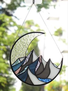 Glaslinie shared a new photo on Etsy - People Photos - Ideas of People Photos - Stained glass window hangings suncatcher. Stained Glass Birds, Stained Glass Suncatchers, Stained Glass Designs, Stained Glass Panels, Stained Glass Projects, Stained Glass Patterns, Stained Glass Window Hangings, Fused Glass, Stained Glass Ornaments