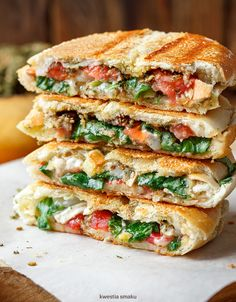 Goat's Cheese, Za'atar and Tomato Panini Afghan Food Recipes, Lunch Recipes, Healthy Recipes, Wrap Sandwiches, Goat Cheese, Delish, Food Porn, Food And Drink, Yummy Food