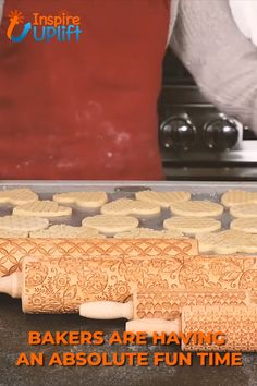Christmas Rolling Pin would make a perfect Christmas gift for your wife, mother, friends (women or men) or anyone who loves to bake and loves the magic of Christmas. Christmas Gift For You, Christmas Cookies, Xmas, Gourmet Recipes, Cookie Recipes, Haute Cakes, Kitchen Necessities, Cool Kitchen Gadgets, Baking Tips