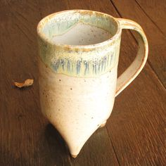 Tall Handbuilt Tripod Coffee Cup/ Mug in Shino and Magic. I would go for different colors, but love the design! Ceramics Ideas, Succulent Pots, Ceramic Cups, Pottery Ideas, Tea Mugs, Best Coffee, Moscow Mule Mugs, Tripod, Stoneware