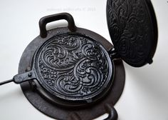 Very old vintage cast iron waffle maker and base ring Norwegian krumkake iron Pizzelle press Krumcake pan from Norway Crepe cookie maker Cast Iron Pot, Cast Iron Skillet, Cast Iron Cooking, It Cast, Vintage Cast Iron Cookware, Waffle Iron, Wrought Iron, Norway, Tea Pots