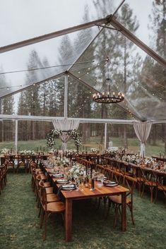We're swooning for this moody-toned Fall forest wedding at our dream venue in the Sierra Nevada mountains - Chalet View Lodge - We The Wild Productions - Hayley Paige - Jenn Robirds Events This stunning forest wedding takes place at a dream mountain venue Wedding Goals, Wedding Themes, Wedding Planning, Wedding Hacks, Forest Wedding Decorations, Wedding Centerpieces, Wedding Photos, Wedding Favors, Table Decorations