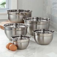 Kitchen Sets, Kitchen Cupboards, Home Decor Kitchen, Kitchen Ware, Beautiful Kitchens, Cool Kitchens, Plastic Crates, Kitchen Organization Pantry, Cool Kitchen Gadgets
