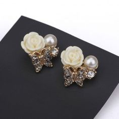 $3.47 Pair Of Sweet Resin Flower