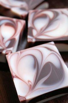シマシマでハートスワールのデザインソープ|新潟 手作り石鹸の作り方教室 アロマセラピーのやさしい時間