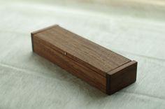 ブラックウォールナット材で制作した木製ペンケース