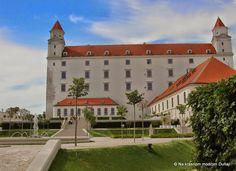 Záhrada na streche – Na krásnom modrom Dunaji Bratislava, Mansions, House Styles, Travel, Home, Slovenia, Hungary, Viajes, Manor Houses